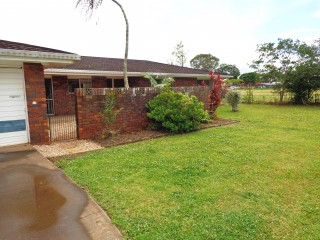 View profile: LARGE FAMILY HOME IN THE HEART OF VICTORIA POINT - BRING THE BOAT AND CARAVAN!
